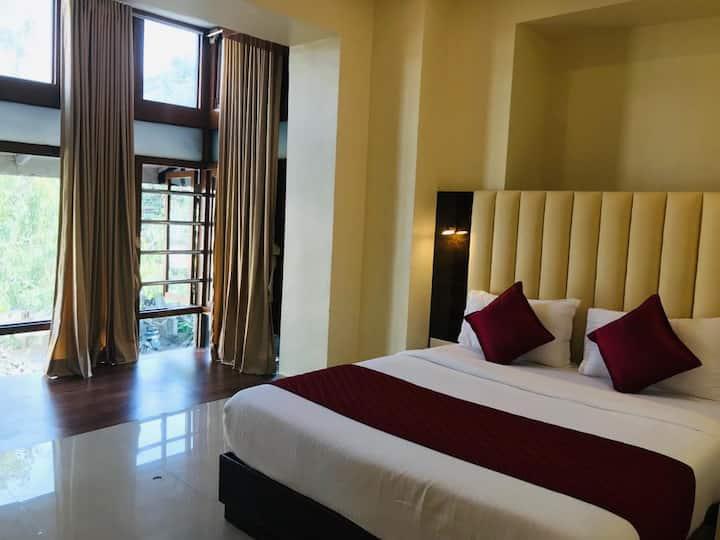 premium room near gate of india