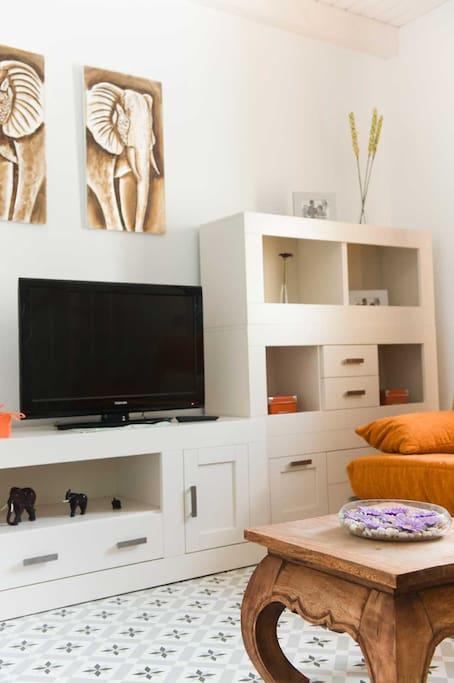Salón con tv