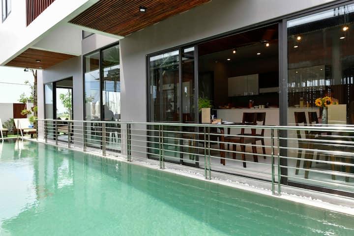 Deluxe Tripple Room- Sun Paradise  Beach Villa