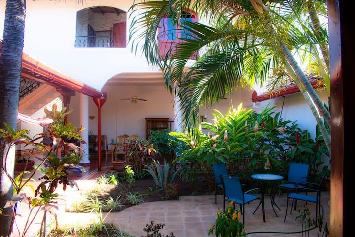 Colonial Retreat in the Heart of Granada