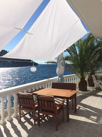 Modern Seafront D&Co 4-star ****  Apartment