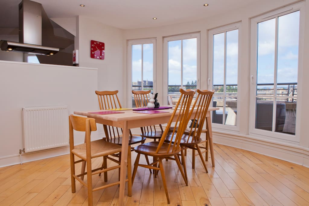 Dine in this gorgeous sunny dining area, with views!