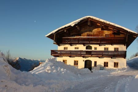 Tiroler Bauernhof mit Inntalblick - Rettenschöss