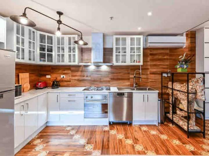 Unique Manhattan Style Apartment on SpencerSt