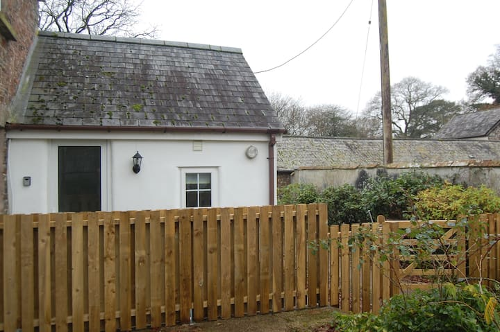 Rural dog friendly converted dairy on smallholding