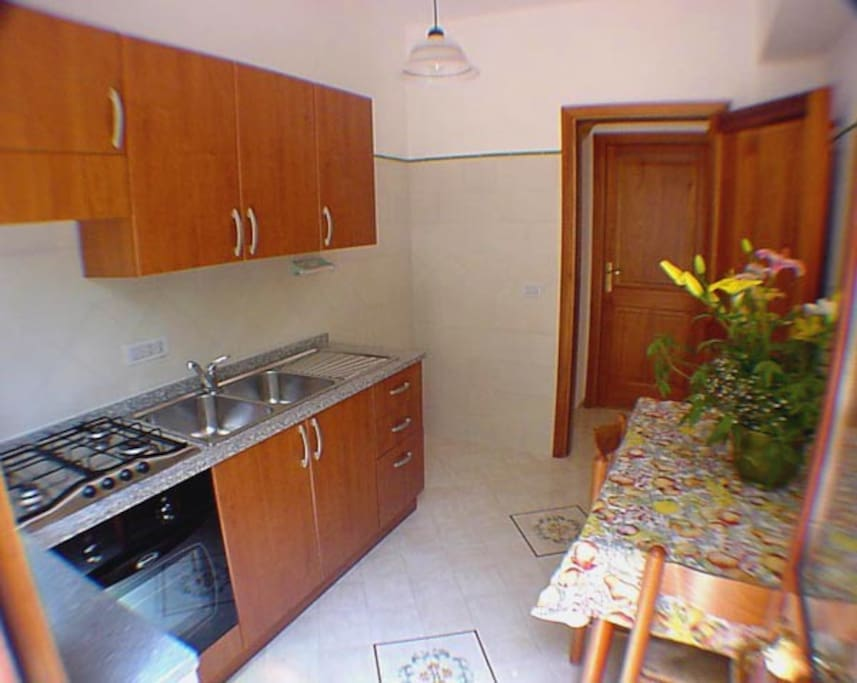 The kitchen of Suite Romantica in Positano
