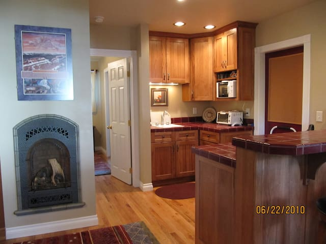Beautiful, private, ideal location. - Missoula - Lejlighed