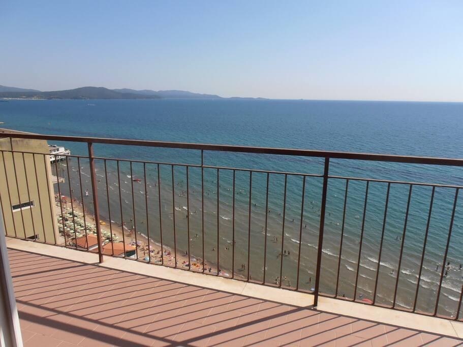 Vista mare trilo 5 pers sulla spiaggia appartamenti in for Ascensore casa sulla spiaggia