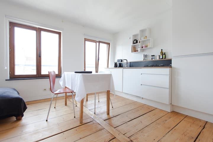 Brightfull apartment + terrace