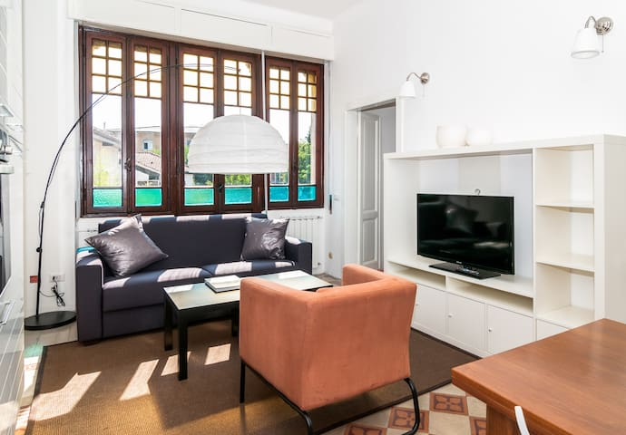 THE HORSE CARRIAGE HOUSE 2 bedrooms - Besozzo - 아파트