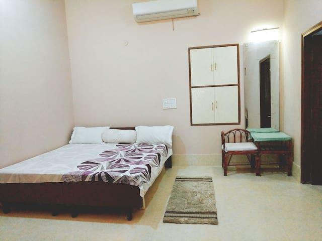 Homestay @ C-Scheme, Jaipur