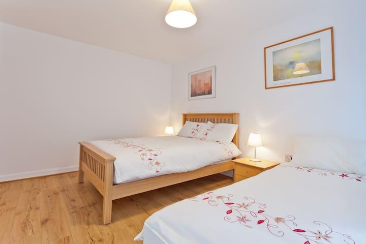 Double bed & single bed. Underfloor heating