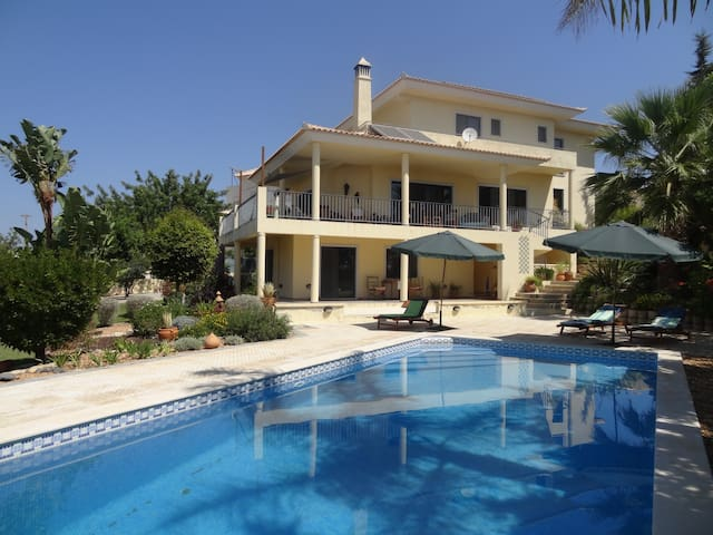 Sweet Dreams Double Room en suite - Faro - Villa