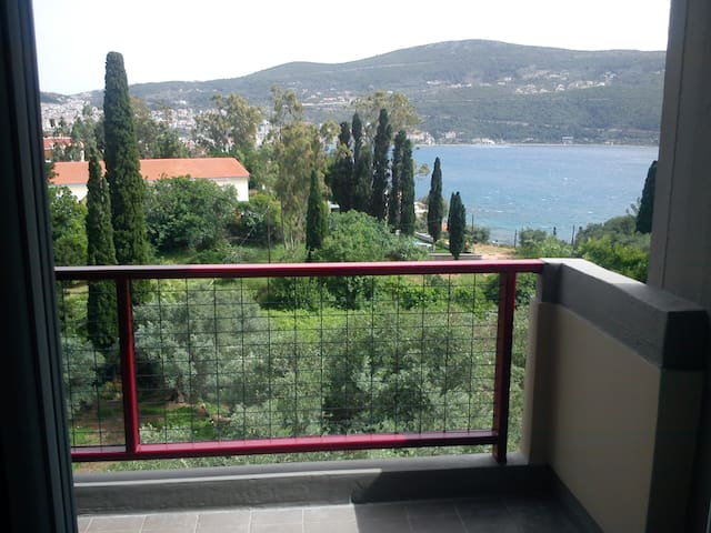 Sea View 4B Quiet Town Apartment 2 - Vathy - Appartement