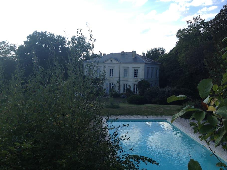 Chambre de charme dans chateau 18e houses for rent in for Chambre de charme france