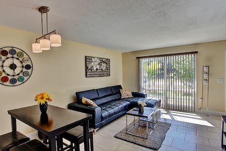 Bright 2BR Fort Pierce Townhome - Fort Pierce - Casa adossada