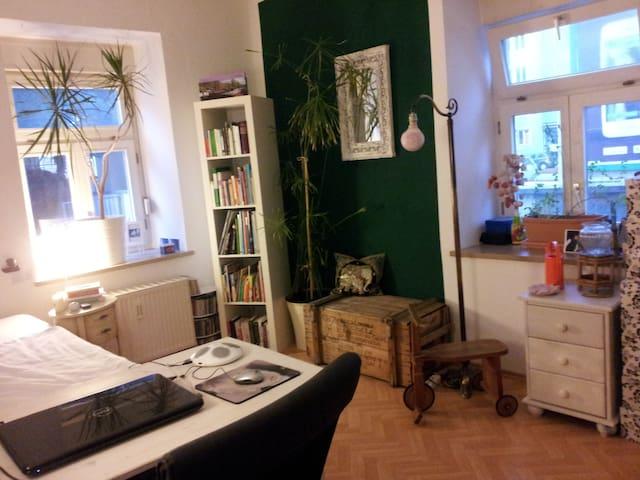 Flat -5 mins walking to Octoberfest - Munich - Apartment