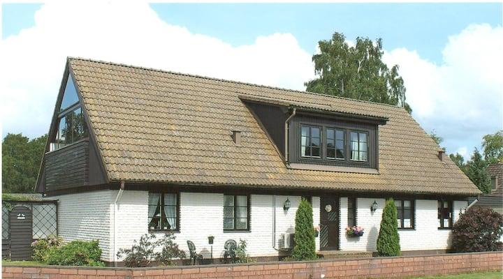 Härligt hus nära golf och tennis