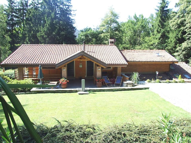 B&B La Casa nel Bosco-Lake Mergozzo - Bracchio - Bed & Breakfast