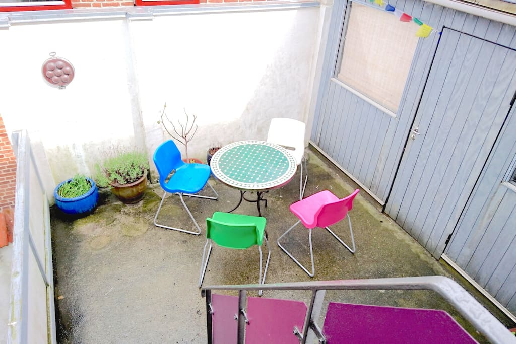 Our little private outside patio has full  sun from 1pm to 1-pm in summer. Perfect for BBQs