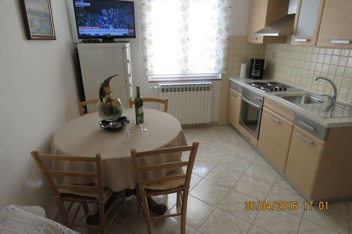 Apartmani Gloria 5 - Biograd na Moru - Lejlighed