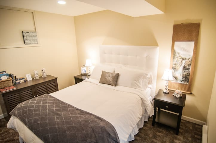 The White Room - Comox - Bed & Breakfast