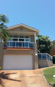 Close to beach great views - Fingal Bay