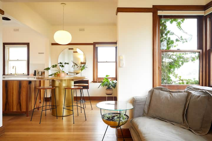 Central & Light Filled Hobart Deco Apartment