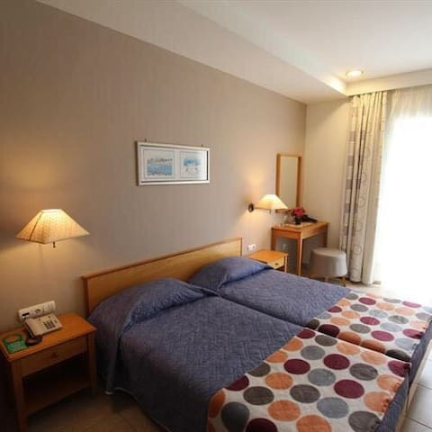 Astron Hotel is close beach casino - rhodes - Appartement