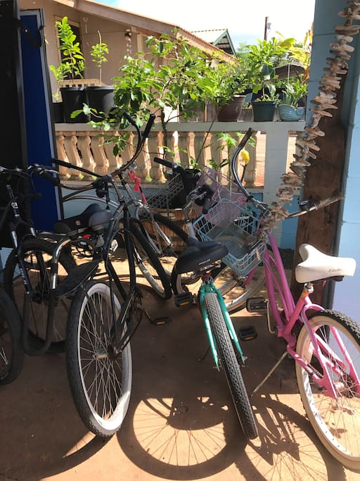 Feel free to use the Bikes to cruise old town Hale'iwa :)