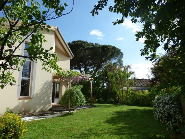 Villa T5 neuve lumineuse avec grand jardin arboré - Labarthe-sur-Lèze - House