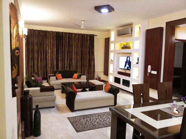Private Room @ Vatika City, Sohna Road