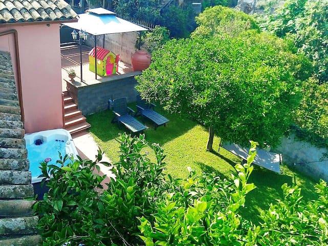 Casa Vacanze Noemi (Taormina 20km Etna 25km Eolie)