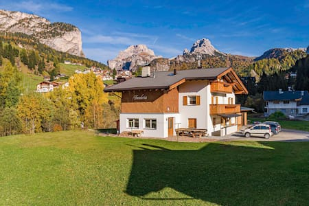 DUMBRIA -house  in the Dolomites for 19 pax