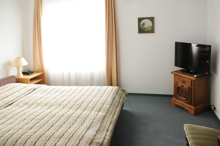 Private room near airport and IKEA