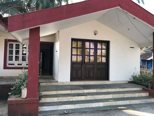 Furnished 2bhk house close to the beaches in S.Goa