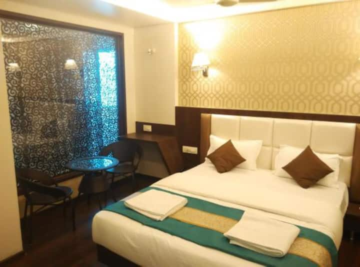 Royal Suite CP · Royal Suite Room with Breakfast in Vasai East