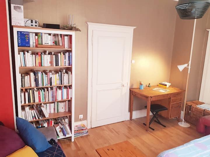 Belle chambre ~Centre, gare, IRA, Conservatoire