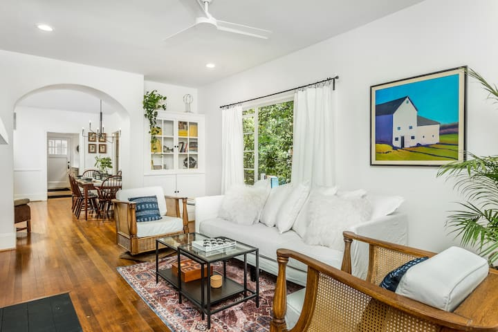 Cozy Bungalow In Historic Downtown Durham