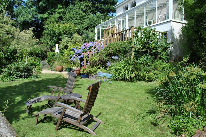 Bosula House (2) - Lamorna - Bed & Breakfast
