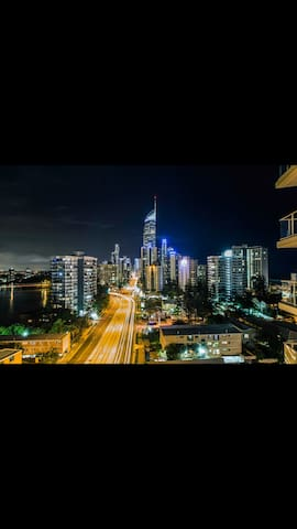 Surfers Skyhome, City & River Views - Surfers Paradise - Wohnung