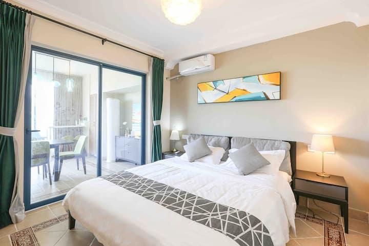 万科双月湾豪华海边度假公寓/两房两厅两卫/下楼就是沙滩/设施齐全/装修高雅