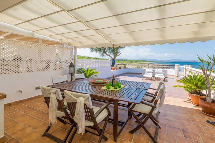 WONDERFUL HOUSE IN FRONT OF SEA & BEACH & TERRACE