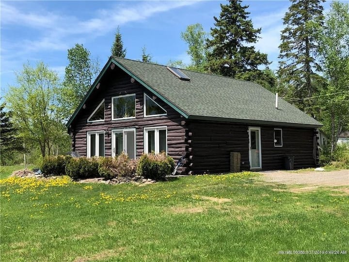 Private Lakefront Log Cabin in Northern Maine