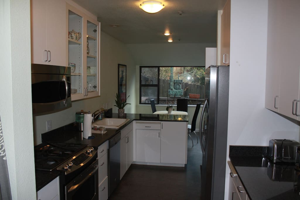 Kitchen, and breakfast room