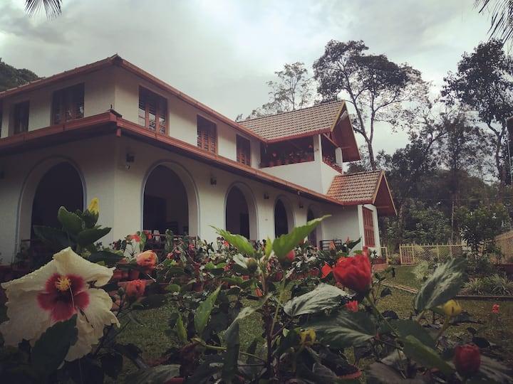 Mani Mansion KK Room 1