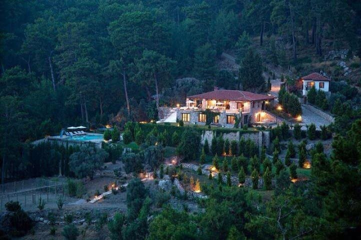 Villa Lale, Luxury Holiday Home - Göcek - Villa