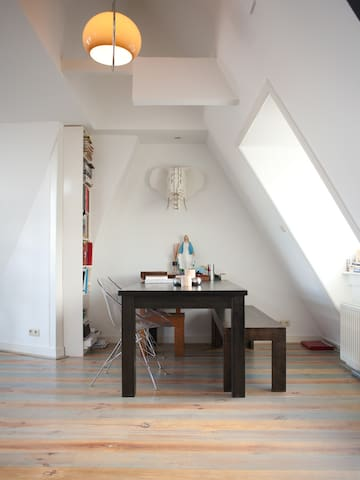 Cosy Loft in Amsterdam City Centre