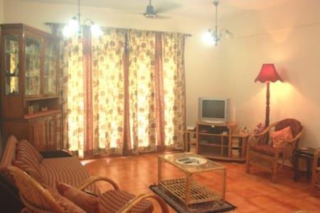 Luxurious Spacious Apartment in Candolim - Departamento