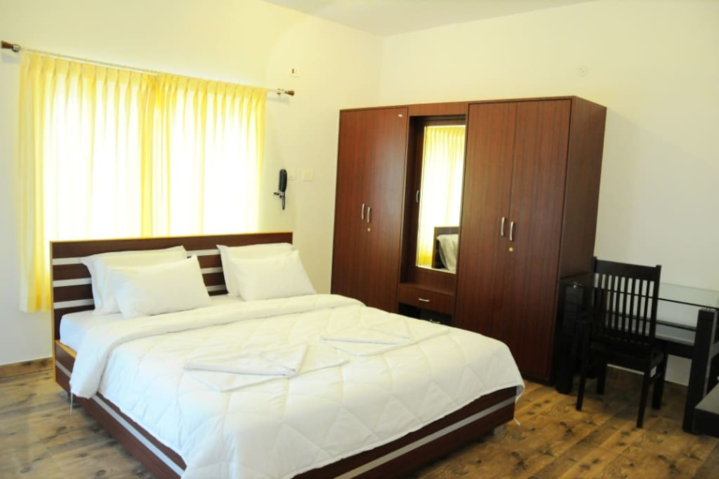 Holiday Villa Room AC